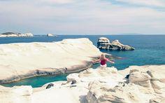 Der Strand Sarakiniko auf Milos, Griechenland @ Marlene Haider / Restplatzboerse.at Paros, Hotels, Strand, Greece, Dreams, Outdoor, Travel Advice, Vacation, Travel