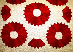 This Dresden Plate quilt features dramatic red plates on a white background. Description from koolkatquilting.blogspot.com. I searched for this on bing.com/images