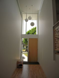 Entrance windows and lighting