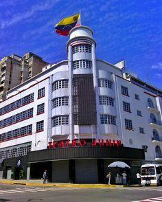 Teatro Junin fotografía cortesía de @livcel  #LaCuadraU #GaleriaLCU #Caracas #TeatroJunin #ArquitecturaCaracas