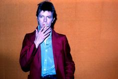 David Bowie Dies at 69 After Battle With Cancer - WSJ