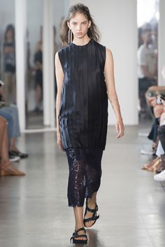 Dion Lee Spring 2017 Ready-to-Wear Fashion Show - Sophie Jones