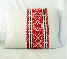 Rustic white, red and gray Vintage Traditional Romanian Hand Woven Pillow Cover… Palestinian Embroidery, Swedish Weaving, Textiles, Folk Embroidery, Rustic White, Longboards, Red And Grey, Origins, Traditional Art