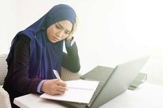 As an hijabi she is struggling to get a job and it is weakening her faith. Islam Muslim, Muslim Women, Nervous Breakdown, Lost Job, Feeling Helpless, Strong Faith, Looking For A Job, Bad Person, Proud Of You