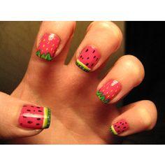 maloen en aardbei nagels