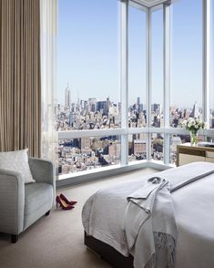 Good Morning #NYC! Dreamy view courtesy of #TrumpSohoand I spy our Carra Pumps do you?? @TrumpNYC #RiseandShine @trumphotels by ivankatrump