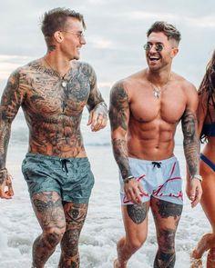 Johnny Edlind ( and Ross Worswick ( Johnny Edlind, Dark Tattoos For Men, Tattoos For Guys, Half Sleeve Tattoos For Men, Tatto Boys, Tattoo Bauch, Tatted Men, Boy Tattoos, Leg Tattoo Men