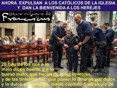 POLICIAS SACAN A JÓVENES DE LA CATEDRAL DE SAN MIGUEL Y SANTA GÚDULA EN BRUSELAS, PARA DAR PREFERENCIA A SECTARIOS PROTESTANTES EN LA CELEBRACIÓN ECUMÉNICA DEL VATICANO CON LOS HEREJES PROTESTANTES  YA QUE CELEBRAN  ELLOS EL 31 DE OCTUBRE SU REFORMA PROTES TANTE QUE COINCIDE TAMBIÉN CON EL CUMPLEAÑOS DEL DIABLO QUE CELEBRAN LOS SATANISTAS EL 31 DE OCTUBRE CON LA NOCHE DE BRUJAS, HALOWEEN, ETC., Y  ESTE 2017 ES JUSTO EL 500 ANIVERSARIO DE LA REFORMA PROTESTANTE.