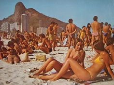 vintage everyday: Color Snapshots Show Everyday Life in Rio de Janeiro in the Book Photography, Vintage Photography, Poses Photo, Vintage Swim, Ferrat, Bathing Beauties, Beach Photos, Beautiful Beaches, Summer Vibes