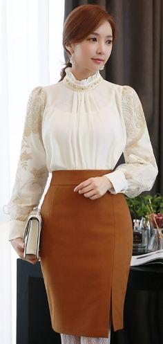 StyleOnme_Front Slit High-Waisted Pencil Skirt #elegant #feminine #pencilskirt #frontslit #koreanfashion #seoul #kstyle #formal #wintertrend