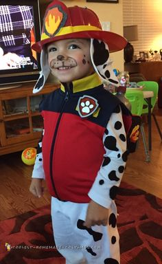 This Paw Patrol costume is on a roll! Check out the instructions to create this adorable Paw Patrol Marshall costume for your best DIY costume on Halloween. Marshall Halloween Costume, Paw Patrol Halloween Costume, Marshall Costume, Hallowen Costume, Halloween 2018, Clown Halloween Kostüm, Baby Halloween Costumes For Boys, Happy Halloween, Paw Patrol Marshall