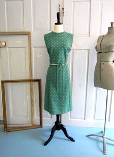 1970s Green Sleeveless Day Dress with Miniature Triangles $36.00