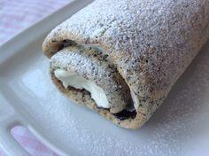Maková roláda s tvarohem a povidly Cookie Recipes, Dessert Recipes, Desserts, No Bake Cake, Sweet Recipes, Cupcake Cakes, Valspar, Sweet Tooth, Bakery