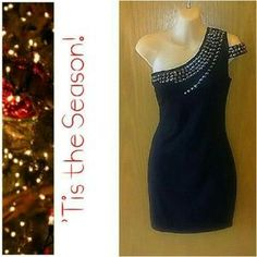 AVAILABLE from my closet on Poshmark: Forever 21 Bodycon Cocktail/Party/Club Dress SZ M. Check it out! Price: $10 Size: M