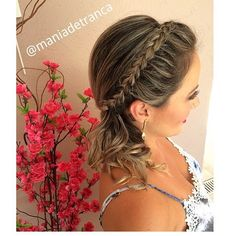 """504 curtidas, 6 comentários - Mania de Trança (@maniadetranca) no Instagram: """"My favorite 🌸#braid #braidstyle #ponytail #flower #bridesmaids #bridesmaidhair #blonde #sydney…"""""""