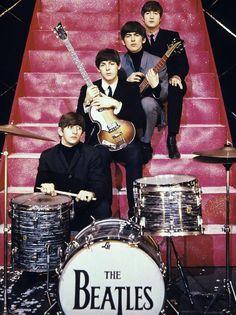 The Beatles, Ringo Starr, Paul McCartney, George Harrison, and John Lennon Foto Beatles, Beatles Love, Les Beatles, John Lennon Beatles, Beatles Photos, Beatles Poster, Pop Rock, Rock N Roll, Ringo Starr