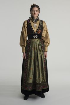 fantasistakk-0888 Dress Pesta, Scandinavian Fashion, Drawing Clothes, Folk Costume, Summer Outfits Women, Traditional Outfits, Cool Style, Fashion Design, Dresses