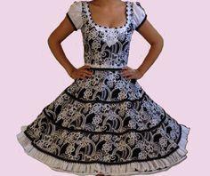 Huasa chilena, Vestidos de china! Dance Dresses, Summer Dresses, Short Sleeve Dresses, Dresses With Sleeves, Vintage Outfits, Square Dance, Clothes, Fashion, Gothic Fashion