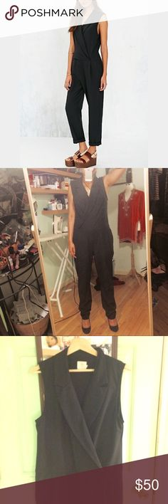 Alice + UO Jumpsuit Size 8 runs large (reason I am selling) Would fit a size 10. A versatile piece business/classy. Worn twice. Urban Outfitters Other