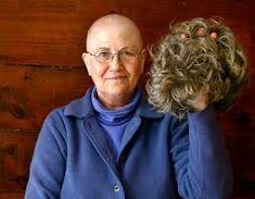 Den meisten Menschen ist Ihr Haar wichtig. Essymbolisiert Individualität, Stil, Schönheit und Gesundheit. Der Verlust der Haare durch eine Chemotherapie … Top, Hair Roots, Mild Shampoo, Breast Cancer, People, Health