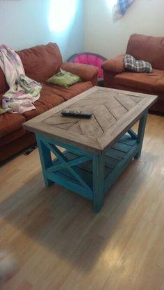 Table (DIY) fait en bois de construction Chum, Table Diy, Furniture, Home Decor, Wood, Wood Construction, Homemade Home Decor, Home Furnishings, Interior Design