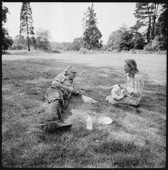 Caroline Blackwood & Robert Lowell photographed by Walker Evans, Kent, England, 1973.