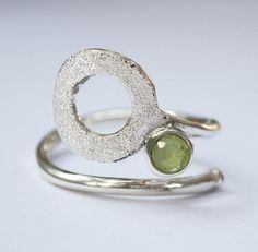 Chunky Silver Rings, Mens Silver Rings, Birthstone Gems, Mens Band Rings, Adjustable Ring, Green Stone, Peridot, Beautiful Rings, Ring Designs