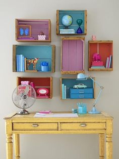 Painted crates on wall as small shelves Crates On Wall, Crate Shelves, Storage Shelves, Shelving Ideas, Pallet Shelves, Small Shelves, Crate Storage, Wooden Shelves, Open Shelving