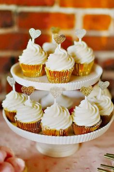 Mini Wedding Cake Wedding Cupcake / http://www.himisspuff.com/beautiful-wedding-cupcakes/