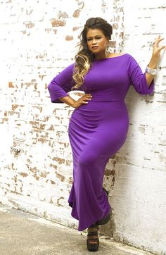 Curvy Models Rock: Are you also a fan of purple dresses? Shown in this pic is Plus Size Model Christina Mendez. Curvy Plus Size, Plus Size Women, Curvy Women Fashion, Plus Size Fashion, Plus Size Dresses, Plus Size Outfits, Plus Sise, Mode Plus, Full Figured Women