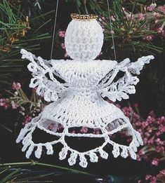 Beautiful Christmas angel with a free pattern!!