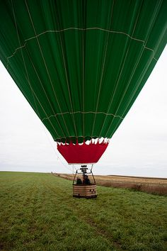 Hot air balloon ride. Great honeymoon or romantic activity post-wedding. #registry #ideas #romance