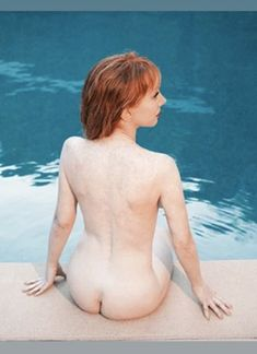 Kathy Griffin Poses Nude And Covered For A Photo Shoot By Tyler Shields Celebrity Gossip, Celebrity News, Tyler Shields, Kathy Griffin, Celebrity Photographers, Old Actress, Girl Humor, Comedians, Celebs