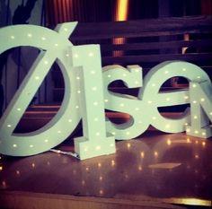 Letras iluminadas producidas y diseñadas por D!meic para la instalación en el restaurante Olsen durante el evento DecorAccion 2012
