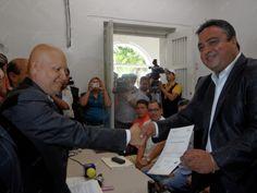Dan a Víctor Pérez y a mamá de ex alcalde constancia de mayoría   Info7   Nuevo León