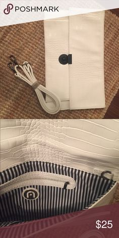 White clutch White alligator print clutch with detachable strap Bags Clutches & Wristlets