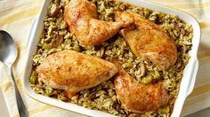 Chicken and Rice Bake Looking for delicious dinner recipe? Enjoy this hearty meal of rice and chicken baked with mushrooms. Easy Chicken And Rice, Baked Chicken, Chicken Recipes, Fresh Chicken, Chicken Rice, Chicken Menu, Mexican Chicken, Meat Recipes, Drink Recipes