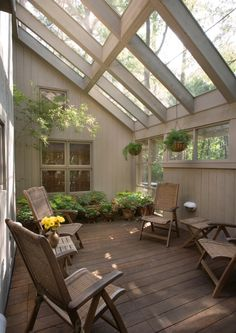 Love this sunroom! Neutrals patio - Love this sunroom! Neutrals patio La mejor imagen sobre diy home decor para tu gusto Estás buscand - Outdoor Rooms, Outdoor Living, Future House, Traditional Porch, Sunroom Furniture, Casas Containers, Lean To, Glass Roof, Glass Ceiling