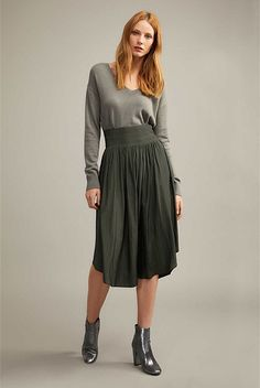 New In Clothing & Apparel Womens Fashion For Work, Womens Fashion Online, Latest Fashion For Women, Kids Fashion, Women's Fashion, Modest Fashion, Fashion Outfits, Clothing Staples, Autumn Fashion 2018