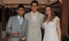 Neymar Jr, Neymar Barcelona, Cinema, Lace Wedding, Wedding Dresses, Poses, Foto E Video, Formal Dresses, Football