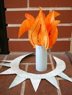 Crafts for Kids: Make a Statue of Liberty Crown and Torch - Buggy and Buddy