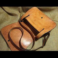 Leather shoulder bag Carmen carved natural tone by CARACODA