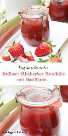 Eine wunderbare und leckere Erdbeer-Rhabarber-Konfitüre mit Basilikum habe ich neulich gekocht. Diese fruchtige und aromatische Konfitüre passt hervorragend z. B. zu Brötchen, frischen Baguette oder selbst gebackenen Toastbrot. Die Erdbeer-Rhabarber-Basilikum Konfitüre eignet sich auch sehr gut zum Füllen von Torten- und Kuchenböden. #marmelade #konfitüre #rezepte #rhabarber #erdbeeren Sweet Bakery, Spring Recipes, Easy Peasy, Good Food, Cupcakes, Favorite Recipes, Eat, Vegetables, Jam Jam