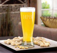 Personalized Grand Pilsner Beer Glass #theweddingoutlet