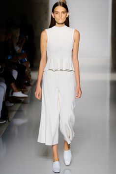 Victoria Beckham Spring 2016 Ready-to-Wear Fashion Show - Julia Flemming