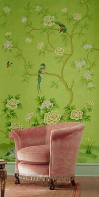 favorite thing chinese design on wall and pink chair 爱 Chinoiserie? 爱 home decor in Chinese Chippendale style - green with pink velvet chair Chinese Wallpaper, Of Wallpaper, Painted Wallpaper, Beautiful Wallpaper, Gracie Wallpaper, Bedroom Wallpaper, Pink And Green Wallpaper, Vintage Style Wallpaper, De Gournay Wallpaper