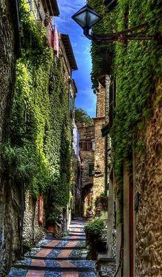 Almost at the top of Via Castello.. Imperia, Liguria, Italy
