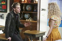 "The Carrie Diaries - Season 1 - ""Kiss Yesterday Goodbye"" - Austin Butler and AnnaSophia Robb Patrick Harbron/The CW"