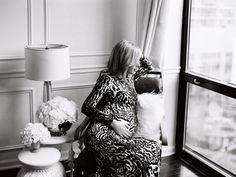 Maternity photos + Pregnancy update + nursery sneak peek... [via www.thechicagolifeblog.com]