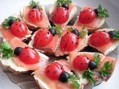 Coccinella su tartina di salmone